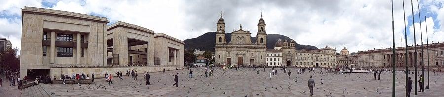 Plaza Simón Bolivar e Plaza Victoria em Valparaíso