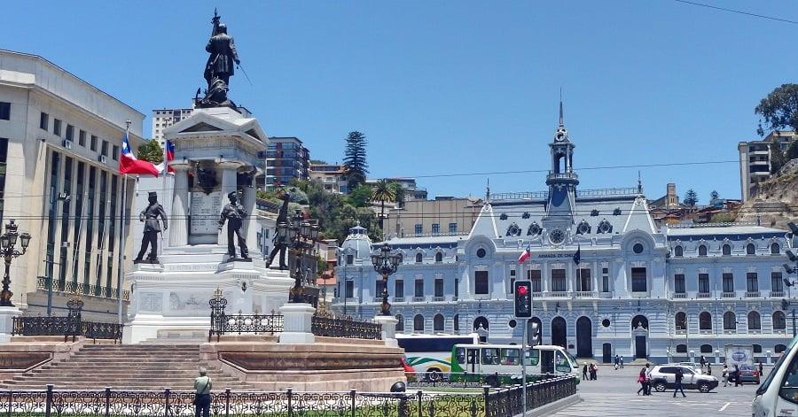 Plaza Sotomayor e Porto de Valparaíso
