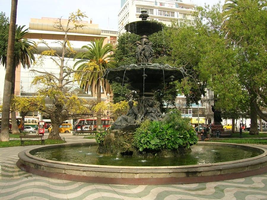 Visitar a Plaza Simón Bolivar e a Plaza Victoria em Valparaíso