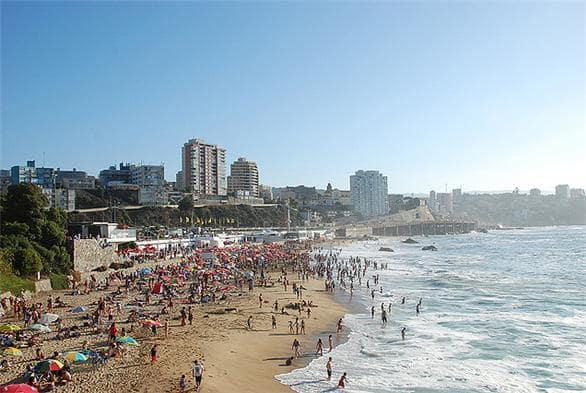 Praia Caleta Abarca em Viña del Mar