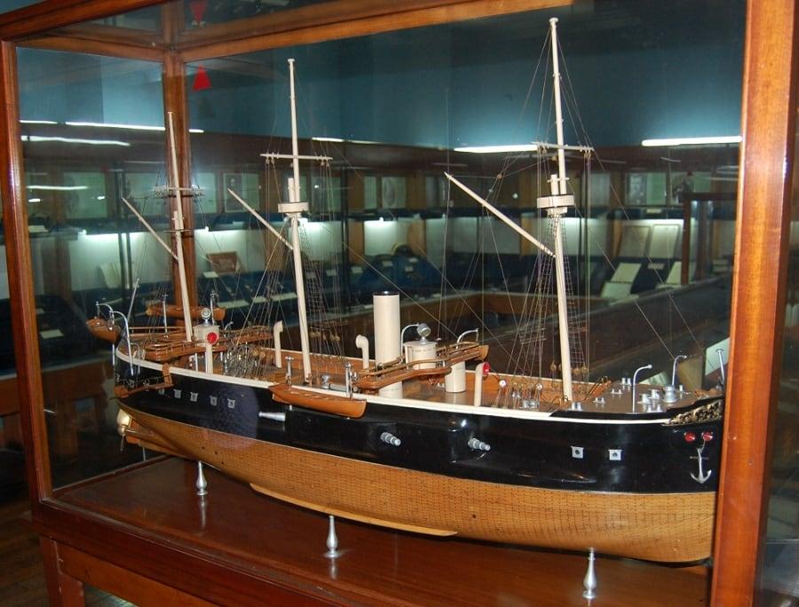 Visitar o Museu Naval e Marítimo com crianças em Valparaíso