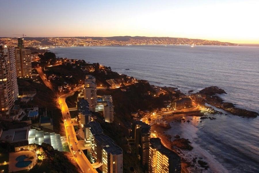 Passear pela Praia de Reñaca a noite em Viña del Mar