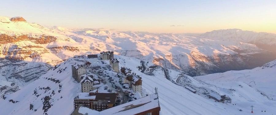 Passeio pela Cordilheira dos Andes nas estações de esqui