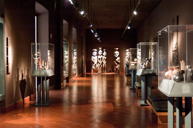 Visitar os museus em Santiago no mês de outubro