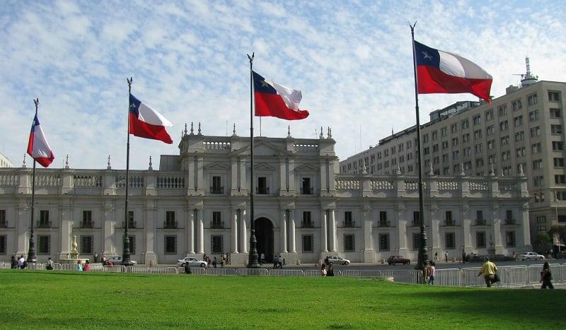 Conhecer o Palácio de La Moneda em Santiago no mês de março