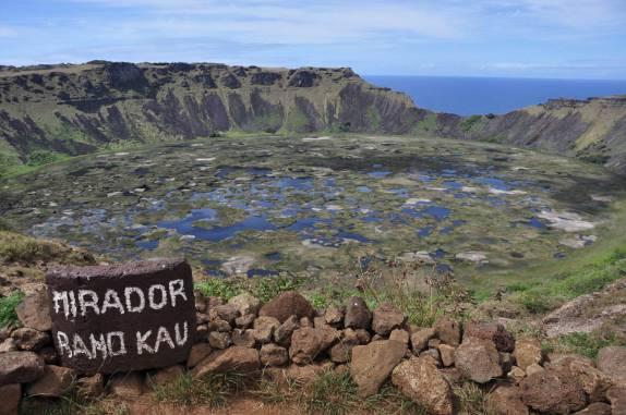 Vulcão Rano Kau na Ilha de Páscoa