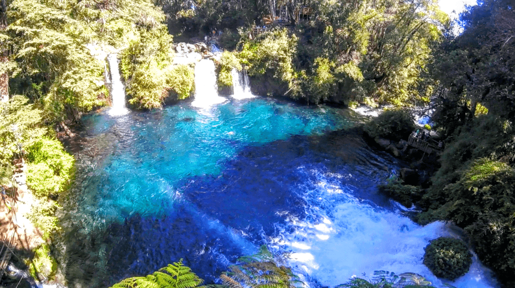 Cachoeira Ojos del Caburgua em Pucón