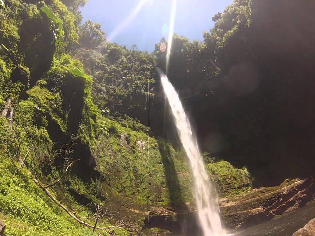 Cachoeira Salto El Claro em Pucón, Chile