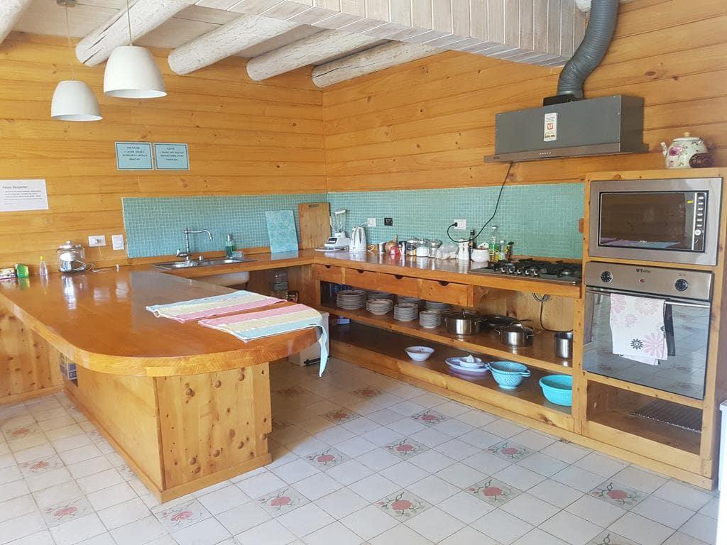 Cozinha do Nuevo Donde German Hostal em Pucón