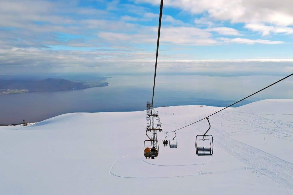 Vista do Vulcão Osorno em Puerto Varas durante o inverno