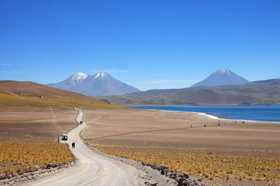 Lago e montanhas do Chile