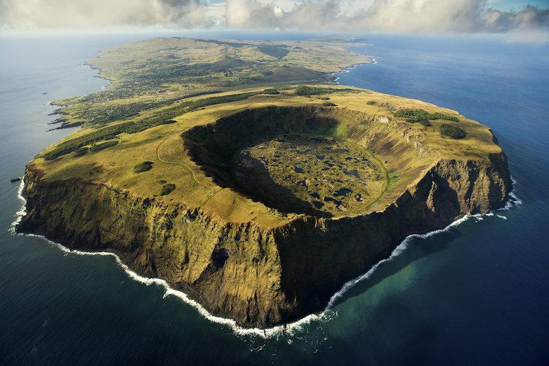 Parque Nacional Rapa Nui na Ilha de Páscoa no Chile: vulcão Rano Raraku