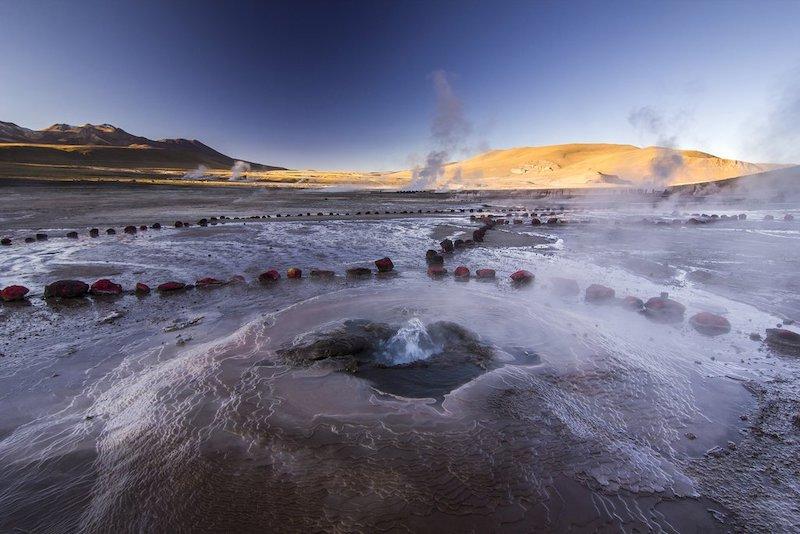 Geyser del Tatio em San Pedro de Atacama no Chile: deserto do Atacama